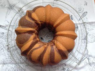 una chispa de dulzura: Cebra Bundt Cake de Chocolate y Vainilla