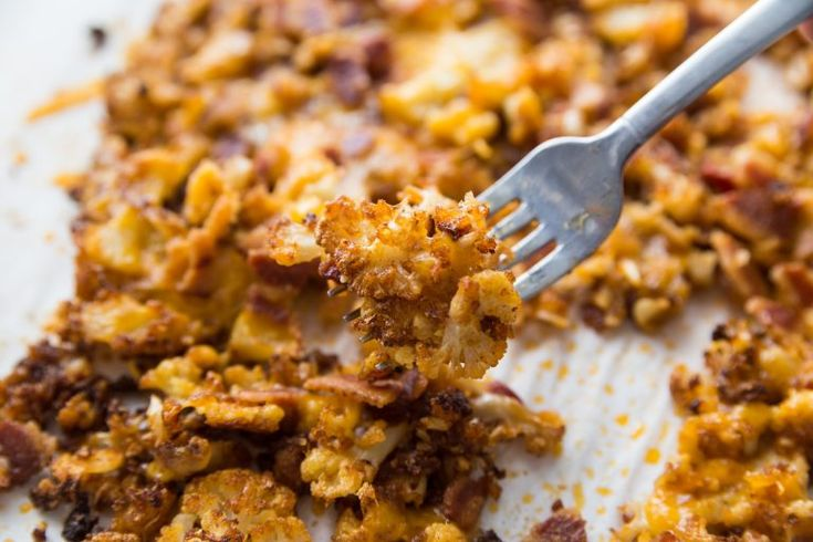 Geladenes gebratenes Blumenkohl-Rezept mit Käse und Speck   – Favorite Recipes