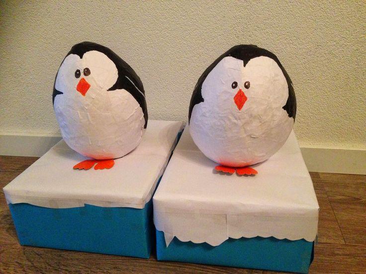 Sinterklaas surprise maken van papier mache. De pinguïn!