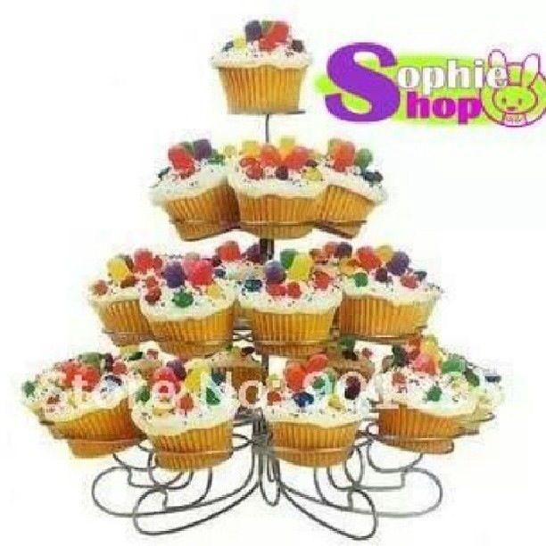 Hermoso stand porta cupcake  Lo puedes encontrar en  www.facebook.com/sophie.sales.568