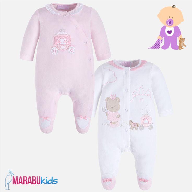 Cele două pijamale din setul pentru fetițe sunt călduroase, moi și plăcute la purtat, pentru un somn liniștit și odihnitor. 😴  #MarabuKids #Mayoral #set #pijama #bebelusi #fetite