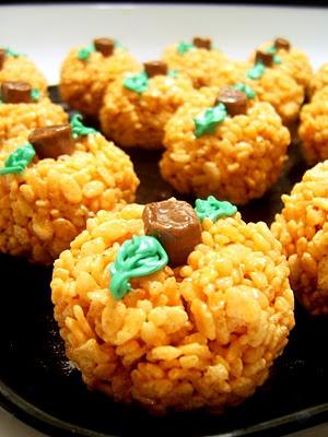 Rice Krispie PumpkinsHalloween Parties, Krispie Pumpkin, Fall Halloween, Fall Treats, Halloween Fal, Halloween Treats, Families Fun, Rice Krispie, Rice Crispy Treats
