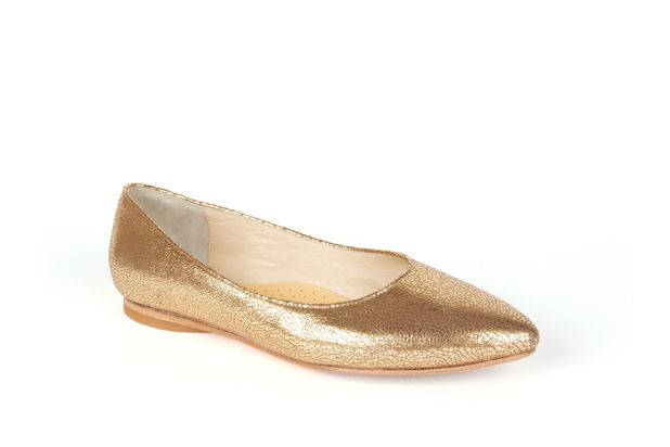 The Classic Point in Metallic Gold by Poppy Barley Made to Measure. #Customize your leather colours and hardware. #Handcrafted to your measurements. #Flats #BalletFlats