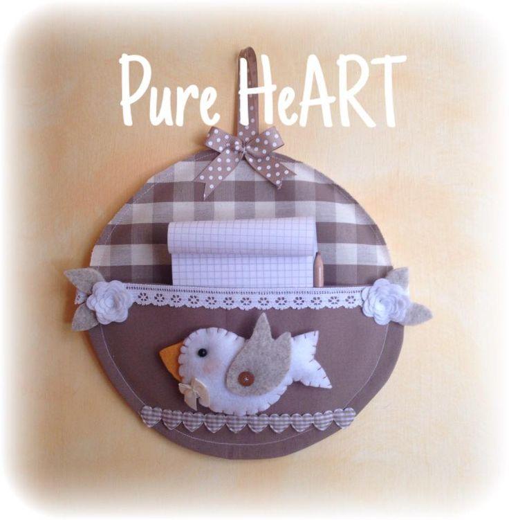 Ecco alcuni lavori per rendere più accogliente la vostra casa Porta bloc-notes con uccellino I miei amati Armando ...