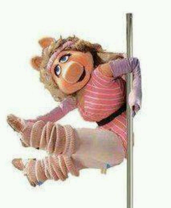 bf8636f4d9 Who doesn't love a pole dancing Miss Piggy? | Pole Dancer 4 LIFE | Pole  dancing, Pole fitness classes, Pole dancing fitness
