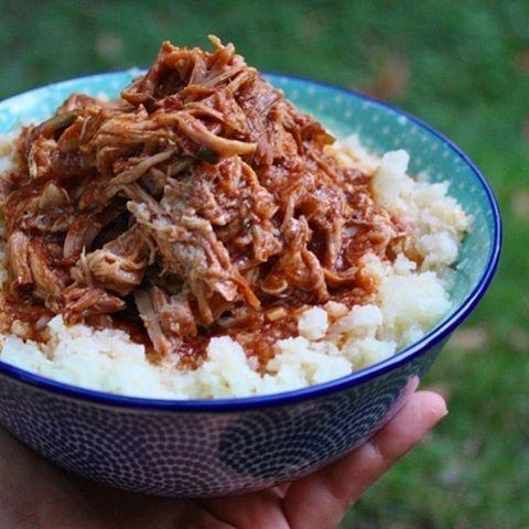 🌟PORC EFFILOCHÉ BBQ ft. ÉCHALOTES🌟 .⠀ Voici la recette de la semaine, une recette venue tout droit du continent Nord-Américain avec un petit twist à ma sauce!⠀ .⠀ Alors qu'est ce que cela vous inspire ?⠀ .⠀ Bon week-end😘💕 -⠀ -⠀ #pulledpork #pork #recette #recipe