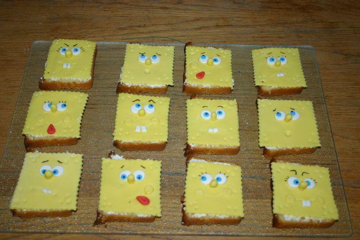 Plakje cake omgetovert tot spongebob, als traktatie op school