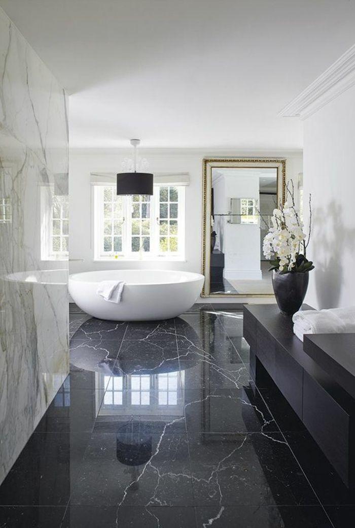 Bader Gestalten Schwarzer Marmor Pflanze Runde Weisse Badewanne Spiegel Fenster In 2020 Luxus Badezimmer Badezimmer Design Luxusbadezimmer