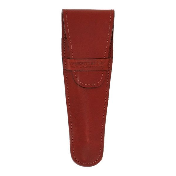 Leather Razor Pouch: Leather Razor pouch, for use with Wellington and Carlton Mach III/DE and FUSION razors. NOT SUITABLE FOR REGENCY STYLE RAZORS. Hand Made in the UK. Available In Black or Tan leather finish.