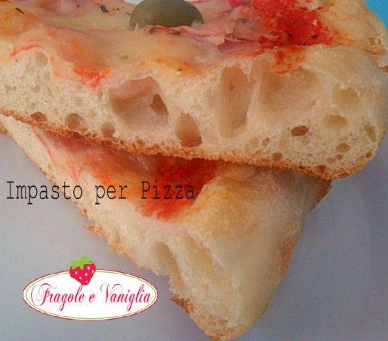 La ricetta per fare un impasto per Pizza in teglia semplice e veloce,fatto con l'impastatrice planetaria ma che può essere realizzato anche a mano.