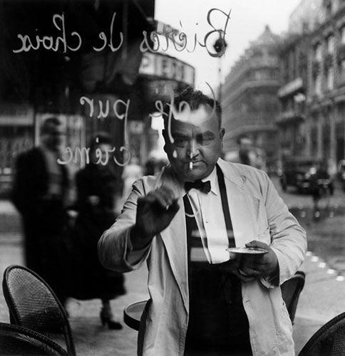 hauntedbystorytelling: Christer Strömholm :: Rue de Rivoli, Paris, 1949 more [+] by C. Strömholm