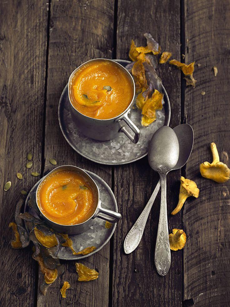 Potiron et girolles forment un beau couple : avouons que la couleur orange est des plus appétissantes, alors, vite au fourneau...!