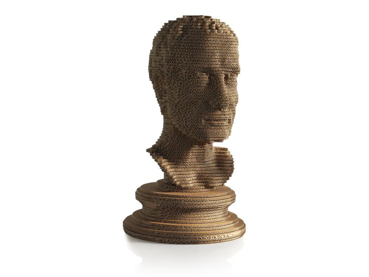Julius Caesar bust made in white cardboard. Sustainable design. Handcrafted by Tuscan artisans. Made in Italy. #eeticoproject