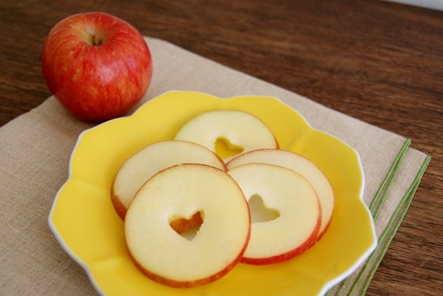 fun snack for the kids {or even me} :)