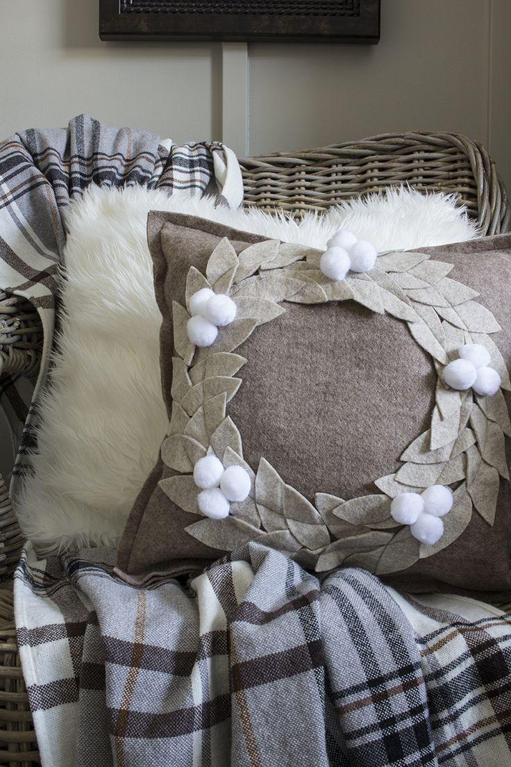 Felt Wreath Pillows - Hello Yellow Blog #LeonsHelloHoliday