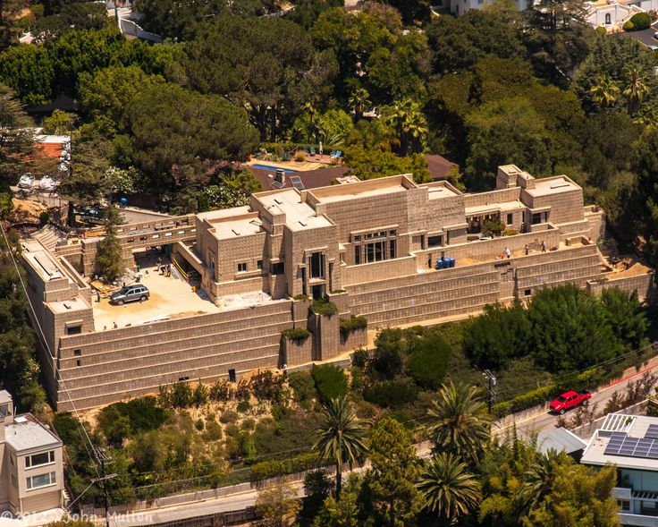 Frank Lloyd Wright House Los Angeles: Charles Ennis House. Frank Lloyd Wright. 1924. Hollywood
