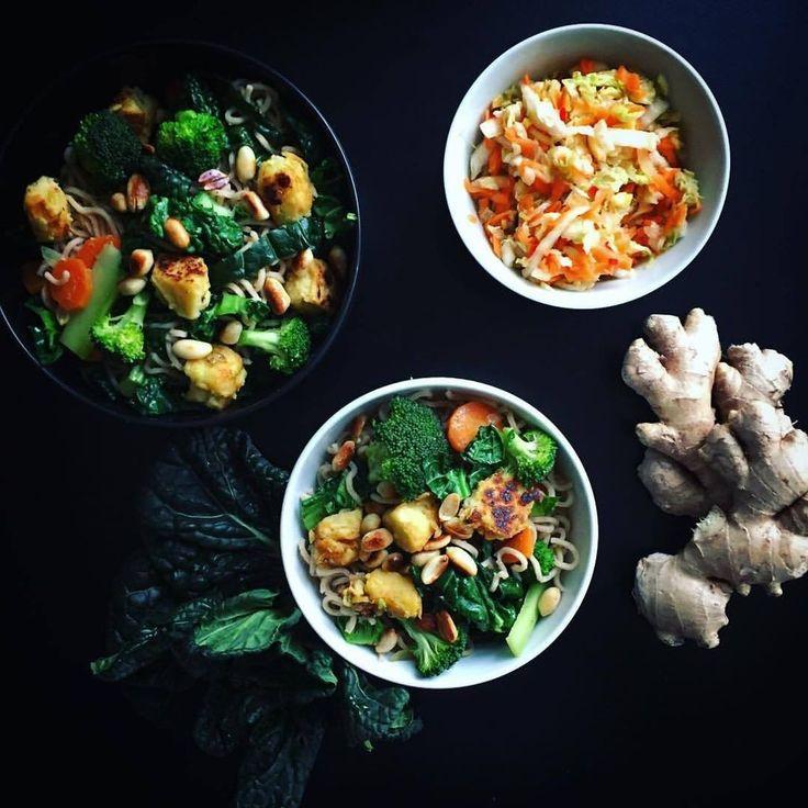 stir fry noodles with veggies and kimchi by @kopenhagenkale  chinapfanne mit gemüse und kimchi  жареная лапша с овощами и кимчхи #doablerecipes