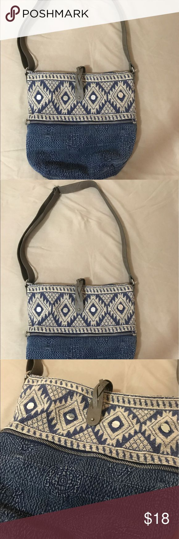 American Eagle Boho purse Used only twice. In perfect condition. Brand: American Eagle American Eagle Outfitters Bags Shoulder Bags