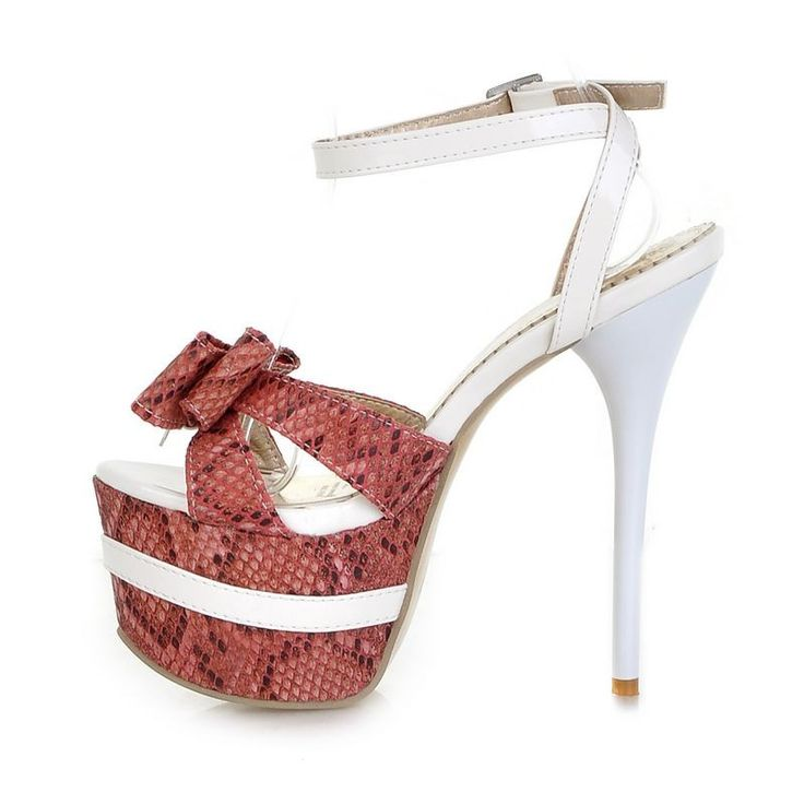 Vrouwelijke mode kleur stiksels prima met open tenen hoge hakken