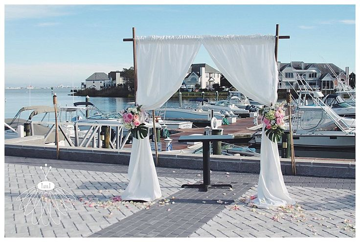 Ceremony backdrop at Ocean Pines Yacht Club Wedding // Little Miss Lovely