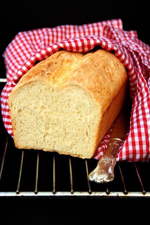 einfaches selbstgebackenes Toastbrot