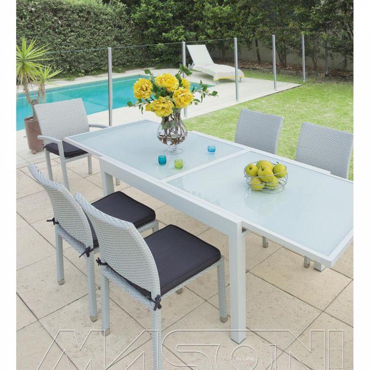 12 best outdoor tavoli design per esterni e giardini for Tavoli per esterno