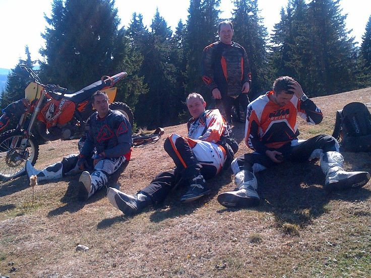 Relax for 5 minutes in the heart of #Romanian #Enduro country #Tours 7 #Training http://www.camping-arges.ro/ https://www.facebook.com/camping.arges