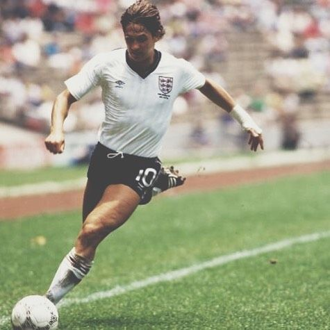 Gary Lineker sporting the 1986 @umbro England shirt and Copa Mundial boots