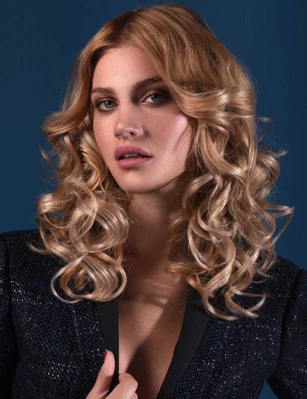 // HAIR CONTOURING // Il prend une nouvelle dimension quand il est contrasté sur les bordures du visage avec un blond polaire.