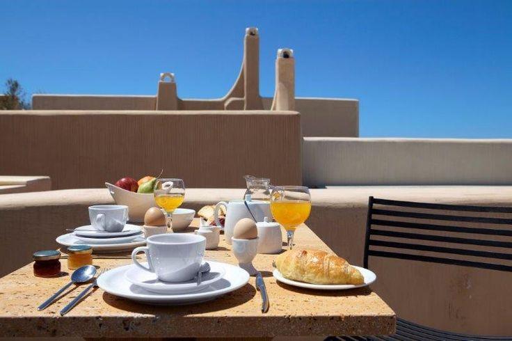 Enjoy your #breakfast at #VoreinaGallerySuites,  the #boutique treasure located at Pyrgos village in #Santorini #island. http://www.tresorhotels.com/en/hotels/9/voreina-gallery-suites#content