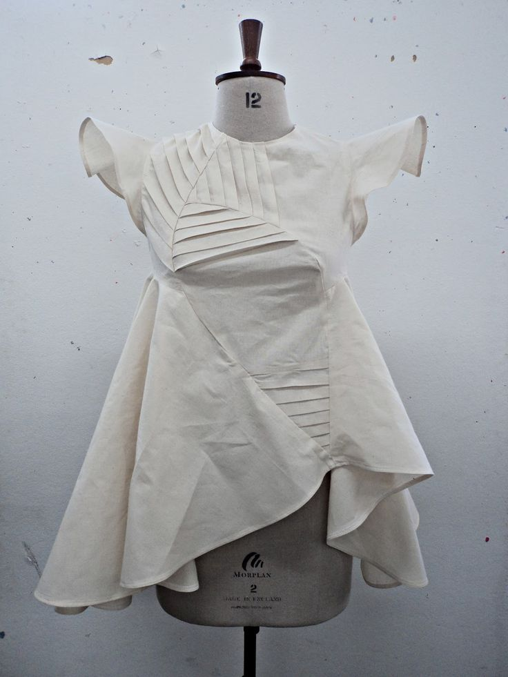 Fashion design development with decorative pleats and volume - creative pattern making; sewing ideas; garment construction; fabric manipulation // Vilune Daunoraite