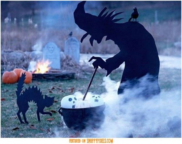 Snappy Pixels Scary Halloween Decoration Ideas For Outside (34 Yard Pics) - Snappy Pixels