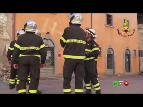 Sisma centro Italia - Soccorsi dei Vigili del Fuoco - Amatrice 17 Ottobr...