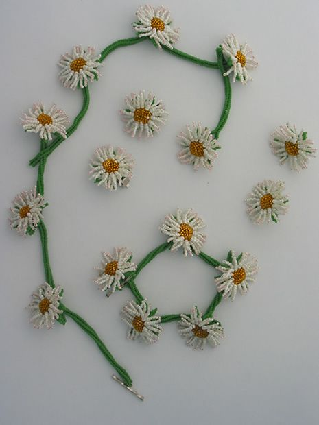 Daisy Chain kit by Huib Petersen. Love the sweet pink tips on the petals.
