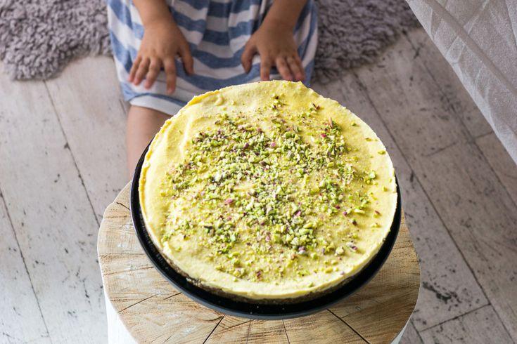 Raw Mango, Lime & Pistacchio Cake