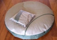 Snug Superpet bed set with two Slipcovers