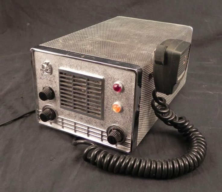 Johnson Viking Messenger Vintage CB Radio w/ Mic