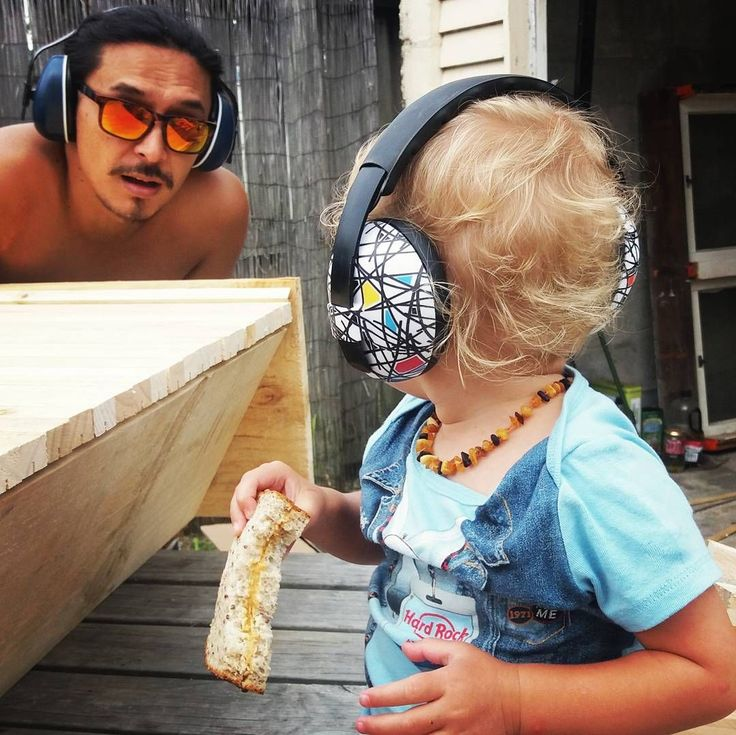 """Helping"" Dad! Now all the family can protect their hearing while working with power tools and doing renos! (  @raisingziggy via @latermedia )"