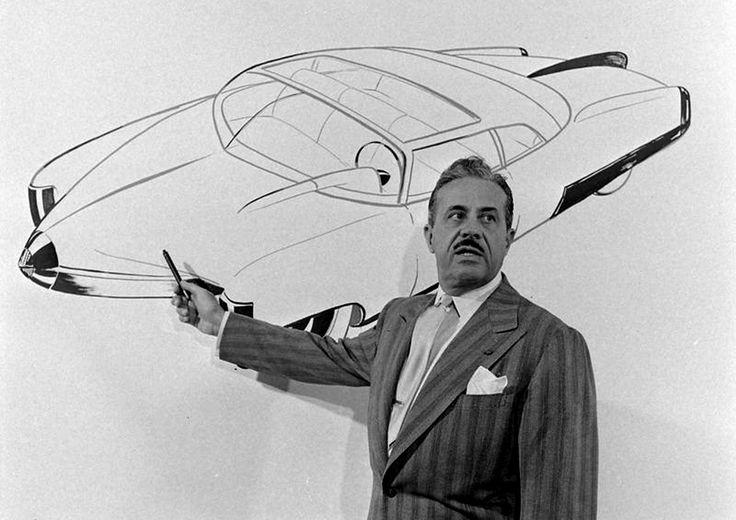 «La longue carrière de Raymond Loewy raconte aussi la naissance d'une profession, celle de designer. Avant de collaborer à la conquête spatiale (capsule Sky-lab), il aura en effet touché à tout ce…