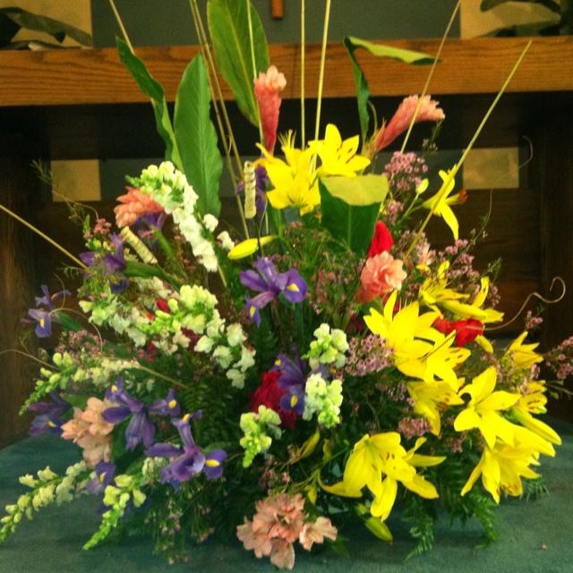 Best Church Flower Arrangements: 148 Best Church Floral Arrangements Images On Pinterest