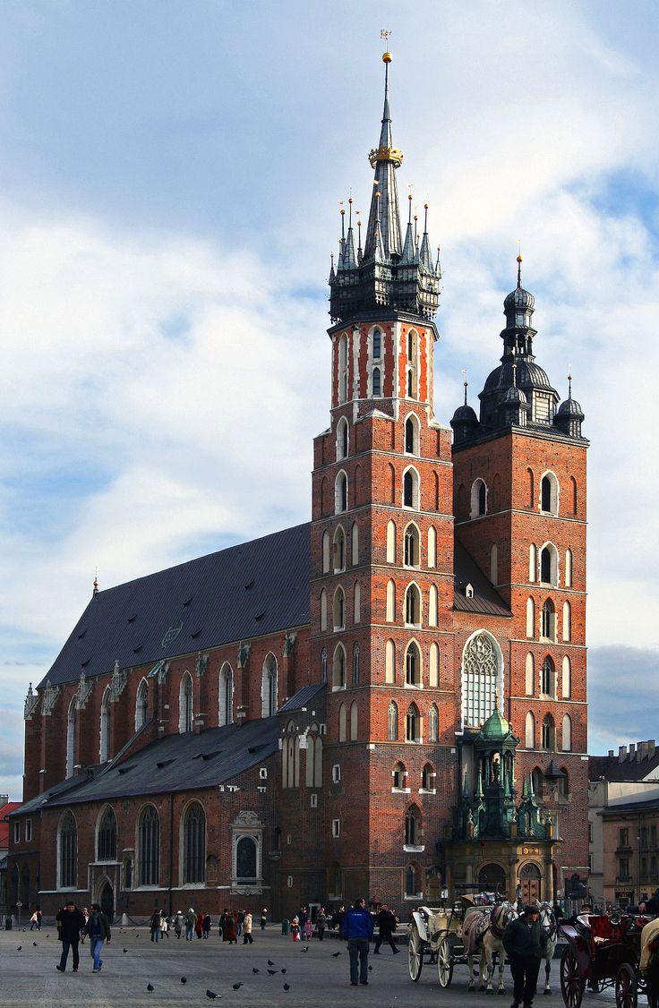 Gotycki kościół Wniebowzięcia Najświętszej Maryi Panny (Mariacki) w Krakowie (Polska). [za Wikipedia]