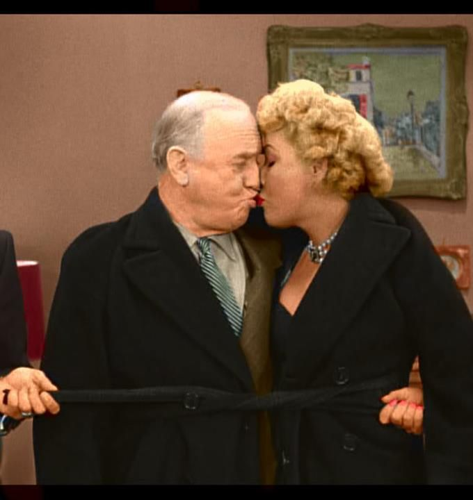 I LOVE LUCY's Fred (William Frawley) and Ethel Mertz (Vivan Vance) kiss.