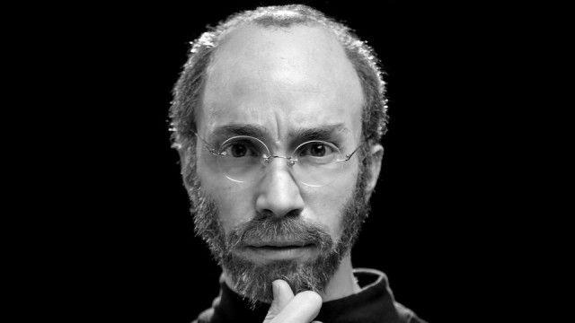 Пародийният филм за Стив Джобс вече е онлайн