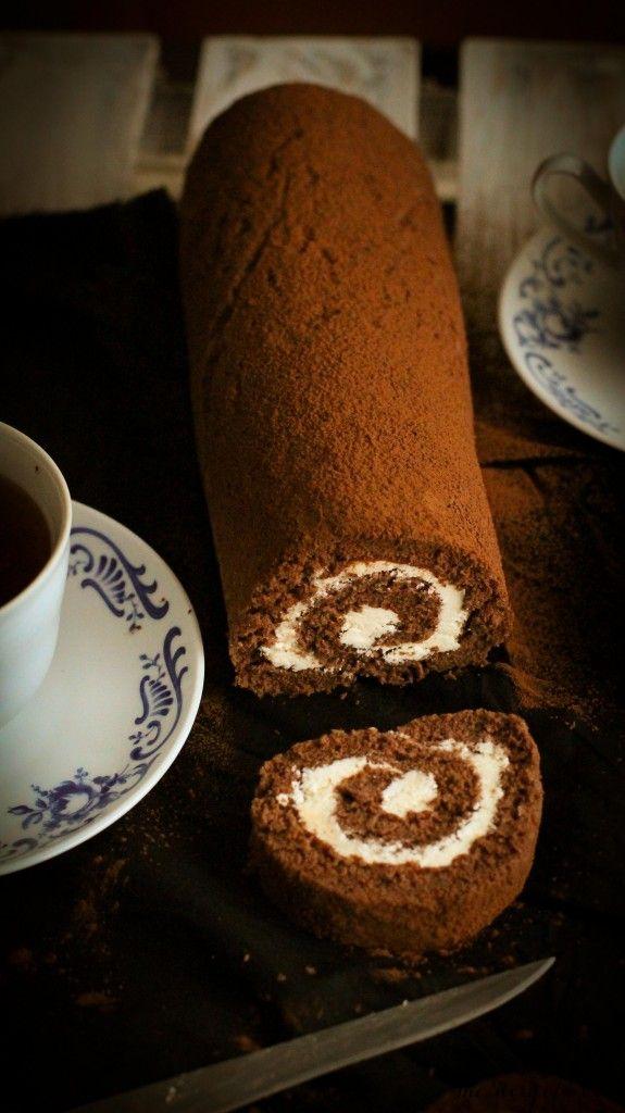 Kakaová roláda s krémom z bielej čokolády | The Story of a Cake
