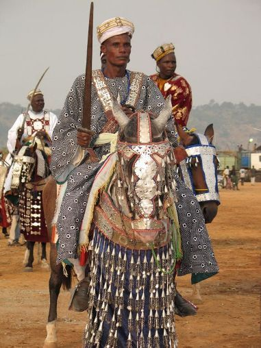The largest population of Hausa are concentrated in Nigeria and Niger, where they constitute the majority. Predominantly Hausa-speaking communities are scattered throughout West Africa, and on the traditional Hajj route north and east traversing the Sahara Desert, with an especially large population around and in the town of Agadez.