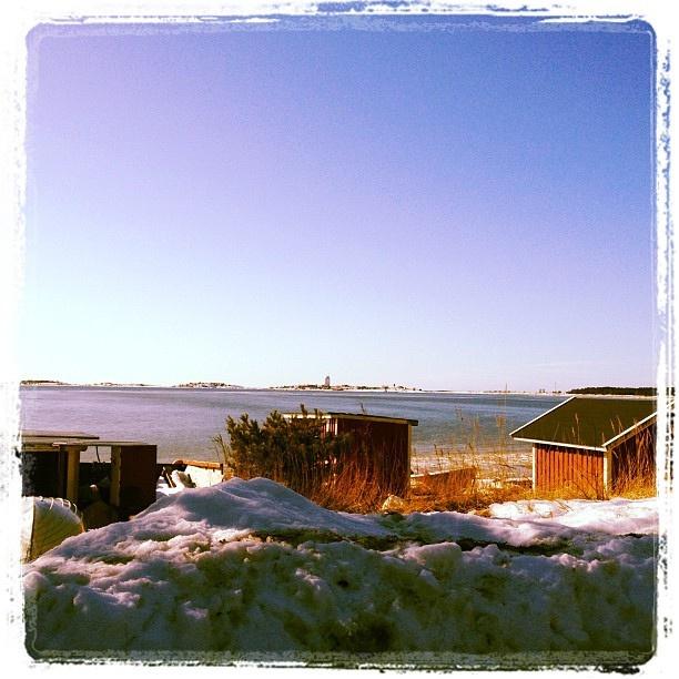 Gunnarsstrand, Hangö, i vårsolen