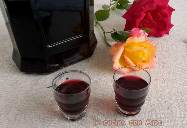 Liquore alle amarene | In cucina con Mire