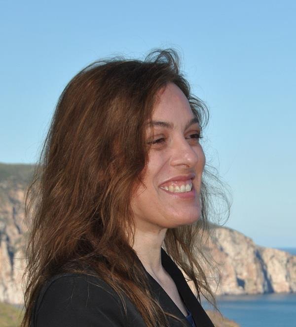 Rosalba Atzei - La mia amata terra è la Sardegna, ma amo tutta la natura. Rispetto e valorizzazione sono le mie parole chiave. Appassionata di social media, faccio turismo da sempre: marketing, congressi, viaggi. Collaboro con un network che conta circa 100 agenzie di viaggio, organizzo eventi, studio itinerari tematici in Sardegna e ovunque nel mondo. Vi accompagnerò per le #invasionidigitali su: TreninoVerde, GrottaSant'Introxia, GalleriaVillamarina. #InvasioniDigitali
