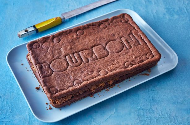 How amazing is this giant Bourbon biscuit? If you love classic chocolate Bourbon biscuits then you really have to make this showstopping version. This giant biscuit is sure to turn a few heads when it comes to serving. It's so simple to make too, taking only 10 mins to prepare and 20 mins to cook. Made with a classic chocolate biscuit recipe and filled with a rich, Bourbon infused chocolate spread, this biscuit is definitely one of a kind.
