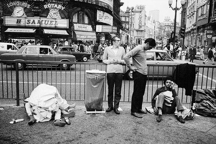 Credit: Tony Ray-Jones /National Media Museum Piccadilly Circus, London, c1967